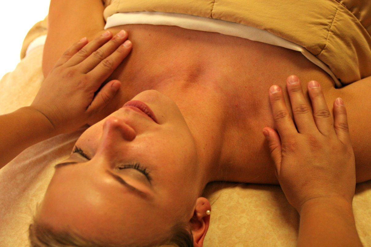 Reiki session with woman - Kitty Ghen